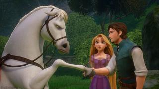 Flynn rencontre le cheval Maximus, à contrecœur, sous l'œil de Raiponce.