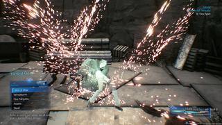 Yuffie en plein salto durant un combat où des étincelles volent dans tous les sens.